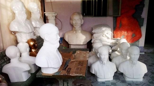Tượng bán thân Bác Hồ - biểu tượng thiêng liêng trong lòng mỗi người dân Việt